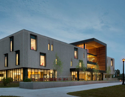 HONOR AWARD: CT College Shain Library | Schwartz/Silver Architects
