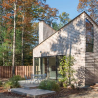 MERIT AWARD - SINGLE FAMILY RESIDENTIAL: Cottage in the Woods | 3six0 Architecture