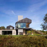 MERIT AWARD - RESIDENTIAL: Chilmark House | Gray Organschi Architecture with Aaron Schiller