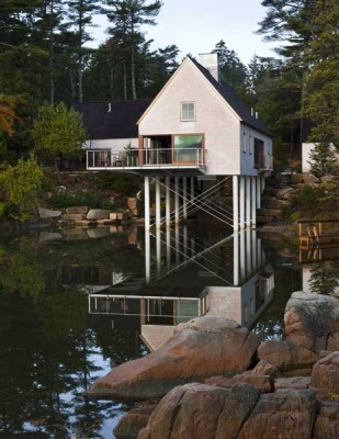 Pond House / Elliott + Elliott Architecture