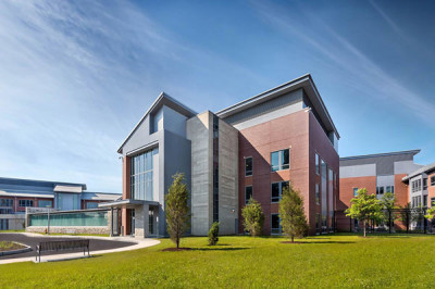 Honor Award: Worcester Recovery Center and Hospital | Ellenzweig Architecture