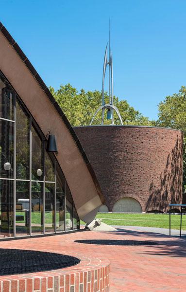 HONOR AWARD - HISTORIC PRESERVATION + ADAPTIVE REUSE: MIT Auditorium and Chapel | EYP