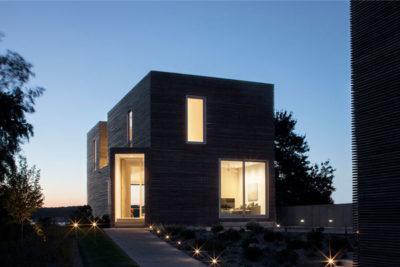 HONOR AWARD - SINGLE FAMILY RESIDENTIAL: Quonochontaug House | Bernheimer Architecture PLLC